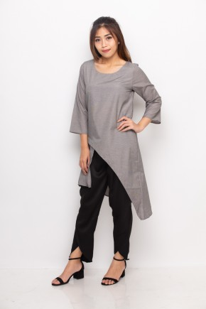 Eris Assymetrical Long Top In Grey