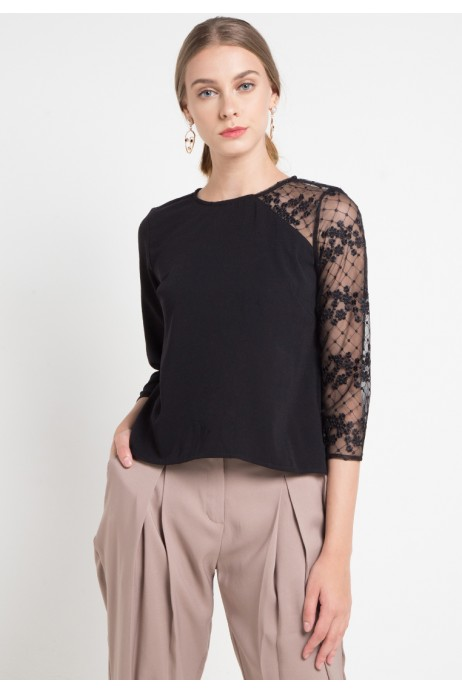 Aira Blouse With Lace In Pink