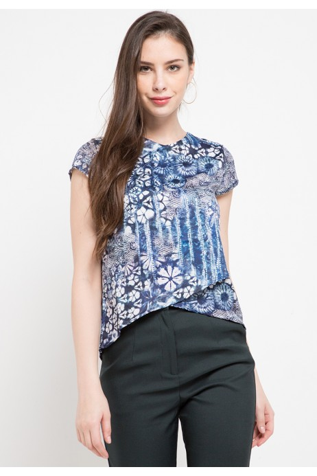 Plume Assymertical Blouse In Blue Print